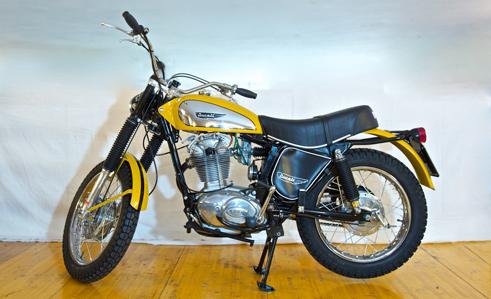 Ducati 450 Scrambler 450 Del 1973 By Moto A Raggi